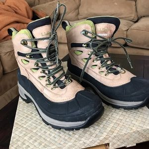 LL Bean waterproof insulated snow boots. Size 8M